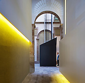 Pla de Palau Apartments in Barcelona by Laba Arquitectura