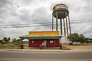 Closed businesses and blighted homes are not uncommon in Carrizo Springs Texas in the Eagle Ford Shale, despite the fracking boom.
