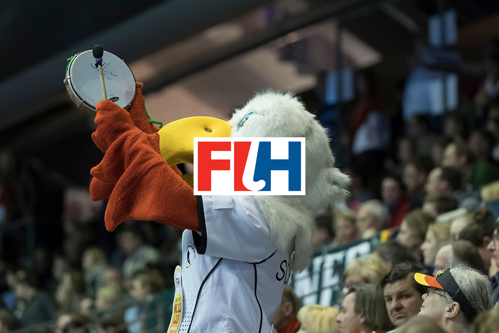 Hockey, Seizoen 2017-2018, 09-02-2018, Berlijn,  Max-Schmelling Halle, WK Zaalhockey 2018 MEN, Germany - Switzerland 3-0, mascotte entertaining the audience. Worldsportpics copyright Willem Vernes
