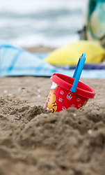 THEMENBILD - ein Kübel im Sand, aufgenommen am 23.08.2015 in Caorle, Italien // a bucket on the beach in Caorle, Italia on 2015/08/23. EXPA Pictures © 2015, PhotoCredit: EXPA/ Jakob Gruber