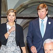 NLD/Amsterdam/20150625 -Aankomst Koninklijke Familie bij symposium Clean Energy, vertrek koning Willem-Alexander en koninging Maxima