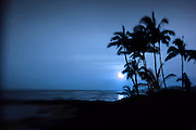 Moonset, Poipu, Kauai, Hawaii<br />