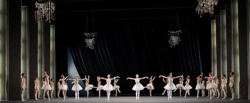 Jewels <br /> The Royal Ballet <br /> at The Royal Opera House , Covent Garden, London, Great Britain <br /> pre-general rehearsal <br /> 16th December 2013 <br /> <br /> Diamonds<br /> <br /> <br /> <br /> Marianela Nunez<br /> Thiago Soares<br /> <br /> Melissa hamilton<br /> Hikaru Kobayashi<br /> Yuhui Cho<br /> Itziar Mendizabal<br /> Valeri Hristov<br /> Johannes Stepanek<br /> Ryoichi Hirano<br /> Alexander Campbell<br /> <br /> <br /> <br /> Photograph by Elliott Franks