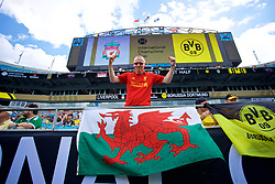 CHARLOTTE, USA - Sunday, July 22, 2018: A Liverpool supporter with a Wales flag before a preseason International Champions Cup match between Borussia Dortmund and Liverpool FC at the  Bank of America Stadium. (Pic by David Rawcliffe/Propaganda)