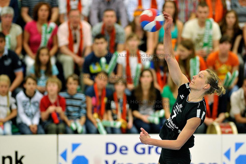 01-05-2011 VOLLEYBAL: PLAYOFF FINALE HEUTINK POLLUX - VC WEERT: OLDENZAAL<br /> Angelique Vergeer<br /> &copy;2011- FotoHoogendoorn.nl