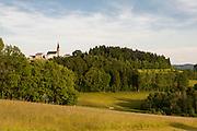 Landschaft mit Schwarzenberg, Mühlviertel, Böhmerwald, Niederösterreich, Österreich | Schwarzenberg, Muehlviertel, Bohemian Forest, Austria