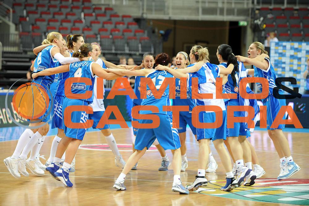 DESCRIZIONE : Riga Latvia Lettonia Eurobasket Women 2009 Semifinal 5th-6th Place Italia Grecia Italy Greece<br /> GIOCATORE : Team Grecia<br /> SQUADRA : Grecia Greece<br /> EVENTO : Eurobasket Women 2009 Campionati Europei Donne 2009 <br /> GARA : Italia Grecia Italy Greece<br /> DATA : 20/06/2009 <br /> CATEGORIA : esultanza<br /> SPORT : Pallacanestro <br /> AUTORE : Agenzia Ciamillo-Castoria/M.Marchi<br /> Galleria : Eurobasket Women 2009 <br /> Fotonotizia : Riga Latvia Lettonia Eurobasket Women 2009 Semifinal 5th-6th Place Italia Grecia Italy Greece<br /> Predefinita :