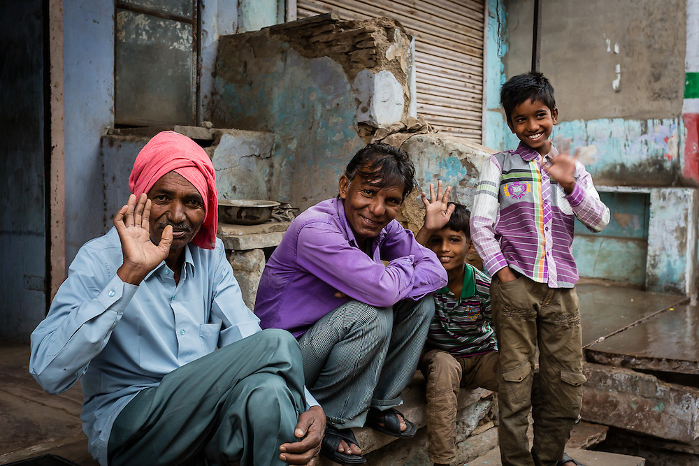 Sometimes it's impossible to stop people from waving when they see a camera, but on some cases, even though it looks like a posed shot, it helps to show the affable and generous side of the people of Bundi.