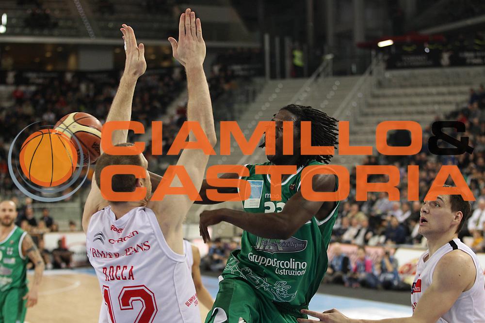 DESCRIZIONE : Torino Coppa Italia Final Eight 2011 Quarti di Finale Armani Jeans Milano Air Avellino<br /> GIOCATORE : Abdul Thomas Omar<br /> SQUADRA : Air Avellino <br /> EVENTO : Agos Ducato Basket Coppa Italia Final Eight 2011<br /> GARA : Armani Jeans Milano Air Avellino <br /> DATA : 11/02/2011<br /> CATEGORIA : passaggio<br /> SPORT : Pallacanestro<br /> AUTORE : Agenzia Ciamillo-Castoria/C.De Massis<br /> Galleria : Final Eight Coppa Italia 2011<br /> Fotonotizia : Torino Coppa Italia Final Eight 2011 Quarti di Finale Armani Jeans Milano Air Avellino<br /> Predefinita :