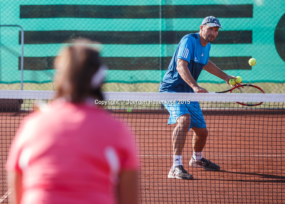Trainer Hans Hauska, mybigpoint Tennis Camp im  Ali Bey Resort, Side,Tuerkei.<br /> <br /> travel -  -  -  Ali Bey Resort Side - Side - Antalya - Tuerkei  - 1 October 2015. <br /> &copy; Juergen Hasenkopf