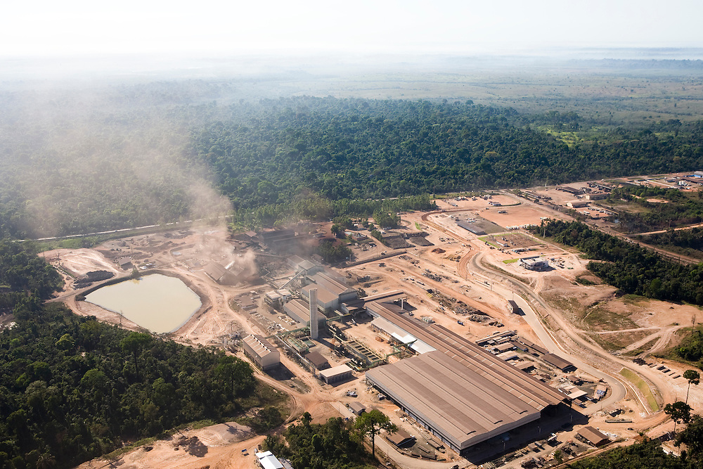 A pig iron factory (Ferrogusa) in Maraba, Para State, Brazil, August 13, 2008..Daniel Beltra/Greenpeace