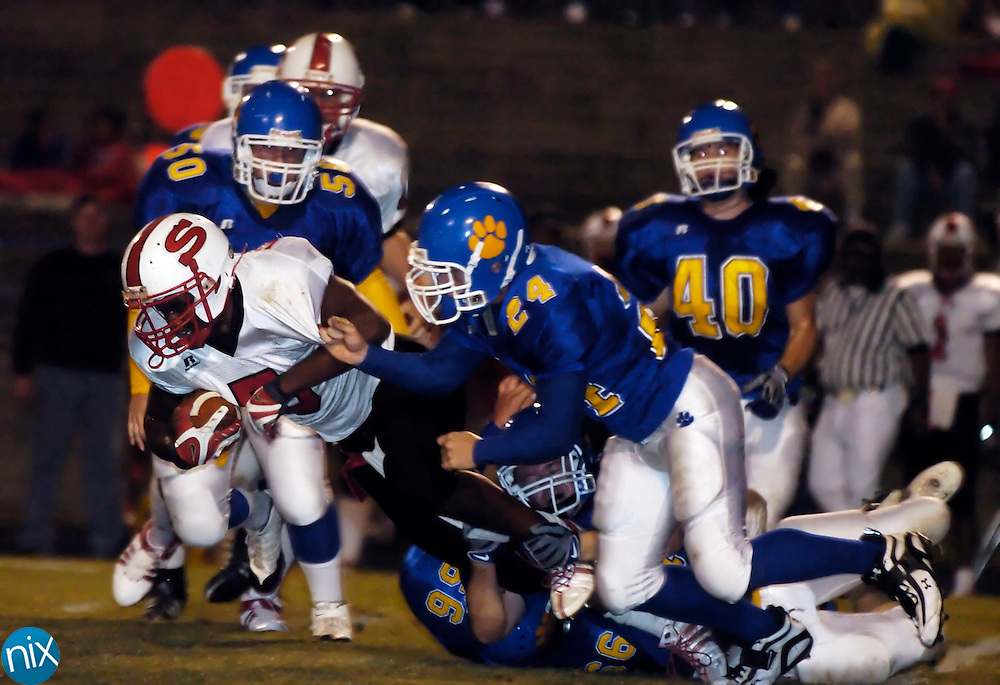 South Stanly's James Watkins carries the ball against Mount Pleasant Friday, October 3, 2008. (photo by James Nix)
