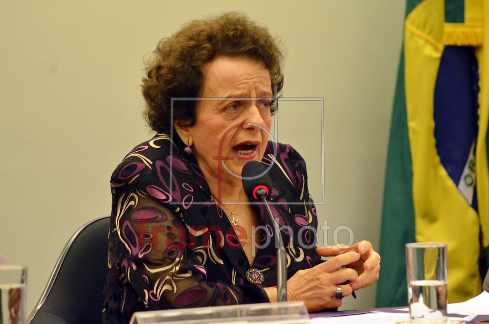 Brasilia (DF),18/06/2015 -DF - A ministra da Secretaria de Políticas para as Mulheres, Eleonora Menicucci, participa de audiência pública da Comissão Parlamentar de Inquérito sobre a violência contra jovens negros. Foto: Renato Costa / Frame