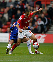 Photo: Richard Lane/Richard Lane Photography. Nottingham Forest v Birmingham City. Coca Cola Championship. 08/11/2008. Chris Cohen (front) shields the ball from Liam Ridgewell