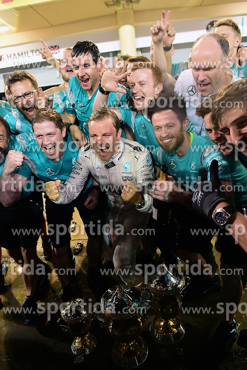 03.04.2016, International Circuit, Sakhir, BHR, FIA, Formel 1, Grand Prix von Bahrain, Rennen, im Bild Race winner Nico Rosberg (GER) Mercedes AMG F1 celebrates with the team // during Race for the FIA Formula One Grand Prix of Bahrain at the International Circuit in Sakhir, Bahrain on 2016/04/03. EXPA Pictures &copy; 2016, PhotoCredit: EXPA/ Sutton Images<br /> <br /> *****ATTENTION - for AUT, SLO, CRO, SRB, BIH, MAZ only*****
