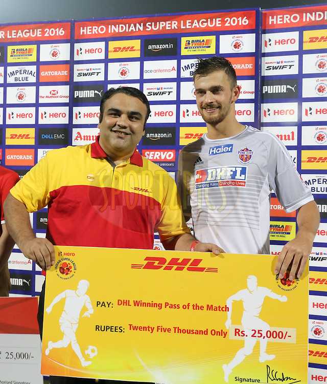 Jonatan Lucca of FC Pune City receiving the Winning Pass of the Match during match 8 of the Indian Super League (ISL) season 3 between FC Goa and FC Pune City held at the Fatorda Stadium in Goa, India on the 8th October 2016.<br /> <br /> Photo by Faheem Hussain / ISL/ SPORTZPICS