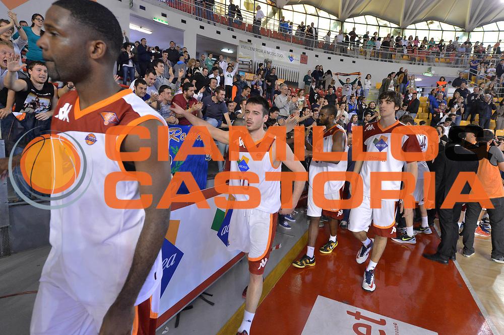 DESCRIZIONE : Roma Lega A 2012-2013 Acea Roma Enel Brindisi<br /> GIOCATORE : Team Acea Virtus Roma <br /> CATEGORIA : esultanza tifosi pubblico<br /> SQUADRA : Acea Virtus Roma<br /> EVENTO : Campionato Lega A 2012-2013 <br /> GARA : Acea Roma Enel Brindisi<br /> DATA : 21/04/2013<br /> SPORT : Pallacanestro <br /> AUTORE : Agenzia Ciamillo-Castoria/GiulioCiamillo<br /> Galleria : Lega Basket A 2012-2013  <br /> Fotonotizia : Roma Lega A 2012-2013 Acea Roma Enel Brindisi<br /> Predefinita :