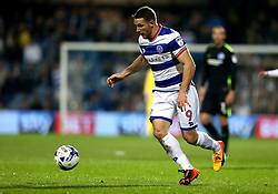 Conor Washington of Queens Park Rangers runs with the ball - Mandatory by-line: Robbie Stephenson/JMP - 07/04/2017 - FOOTBALL - Loftus Road - Queens Park Rangers, England - Queens Park Rangers v Brighton and Hove Albion - Sky Bet Championship