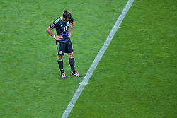 LENS, FRANCE - Thursday, June 16, 2016: Wales' Gareth Bale looks dejected as England score an injury time winning goal during the UEFA Euro 2016 Championship Group B match at the Stade Bollaert-Delelis. (Pic by Paul Greenwood/Propaganda)