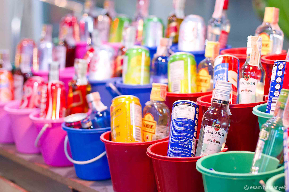 'Buckets' of alcohol at full moon party, Kho Pang Yang