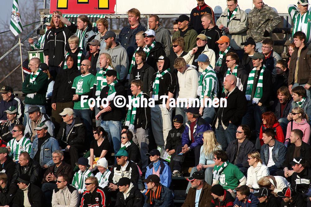 01.05.2006, Arto Tolsa Areena, Kotka, Finland..Veikkausliiga 2006 - Finnish League 2006.FC KooTeePee - Vaasan Palloseura.KooTeePeen faneja.©Juha Tamminen.....ARK:k