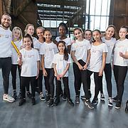 NLD/Utrecht/20190308  - Willem-Alexander geeft het startsein vd 'Week voor de Gezonde Jeugd', Juvat Westendorp met zijn dansleerlingen