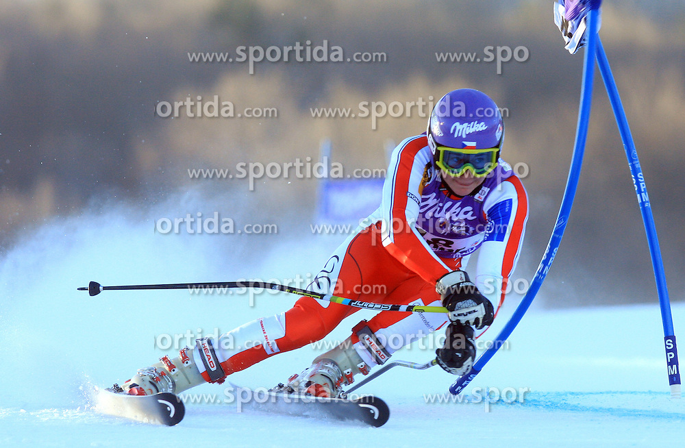 Sarka Zahrobska of Czech republik skiing in first run Maribor women giant slalom race of Audi FIS Ski World Cup 2008-09, in Maribor, Slovenia, on January 10, 2009. (Photo by Vid Ponikvar / Sportida)