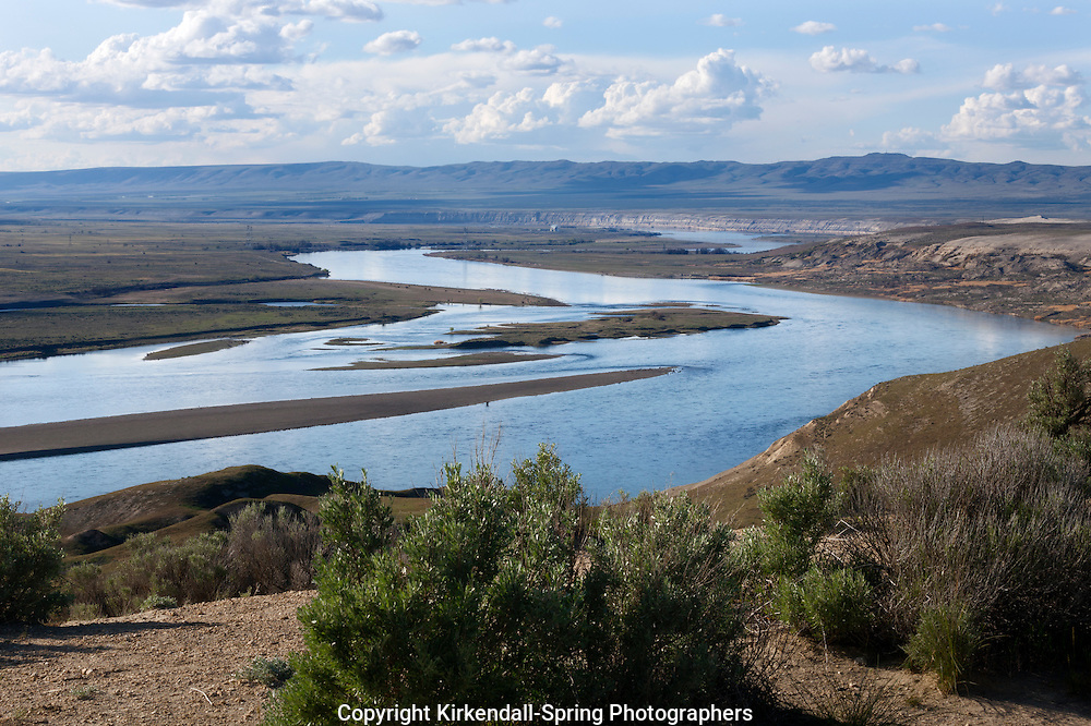 WA11307-00...WASHINGTON - View over the Columbia River from the White Bluffs Trail in Hanford Reach National Monument.