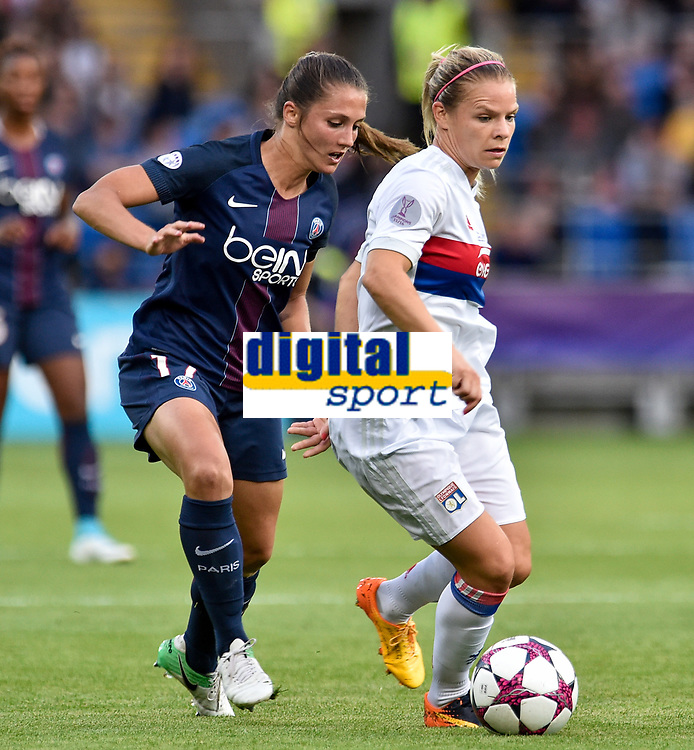 Eve PÈrisset of  Paris Saint-Germain and EugÈnie Le Sommer of Olympique Lyon fight for the ball during the UEFA Women's Champions League Final between Lyon Women and Paris Saint Germain Women at the Cardiff City Stadium, Cardiff, Wales on 1 June 2017. Photo by Giuseppe Maffia.<br /> <br /> <br /> Giuseppe Maffia/UK Sports Pics Ltd/Alterphotos