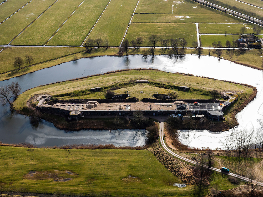 Nederland, Noord-Holland, Gemeente De Ronde Venen, 20-02-2012; Fort bij Waver-Amstel (of Fort de Nes of Fort Nessersluis),.Fortress Fort bij Waver-Amstel, part of the Defense line of Amsterdam..luchtfoto (toeslag), aerial photo (additional fee required);.copyright foto/photo Siebe Swart.