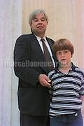 Venice Art Biennale 1997. Self-portrait by Gehrard Merz with his son / Biennale Arte di Venezia 1997. Autoritratto di Gehrard Merz con suo figlio - © concept photo Marcello Mencarini