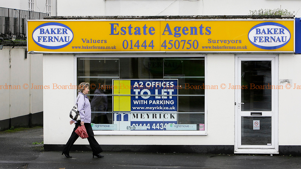 JAMES BOARDMAN / 07967642437<br /> An Estate Agents office up for rent in Haywards Heath West Sussex.