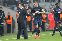 09.04.2014, Allianz Arena, Muenchen, GER, UEFA CL, FC Bayern Muenchen vs Manchester United, Viertelfinale, Rueckspiel, im Bild l-r: Torjubel von Chef-Trainer David Moyes (Manchester United) und Darren Fletcher #24 (Manchester United) // during the UEFA Champions League Round of 8, 2nd Leg match between FC Bayern Muenchen and Manchester United at the Allianz Arena in Muenchen, Germany on 2014/04/09. EXPA Pictures © 2014, PhotoCredit: EXPA/ Eibner-Pressefoto/ Kolbert<br /> <br /> *****ATTENTION - OUT of GER*****