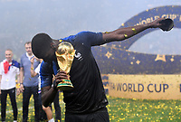 FUSSBALL  WM 2018  FINALE  ------- Frankreich - Kroatien    15.07.2018 JUBEL Weltmeister Frankreich; Paul Pogba mit dem Pokal