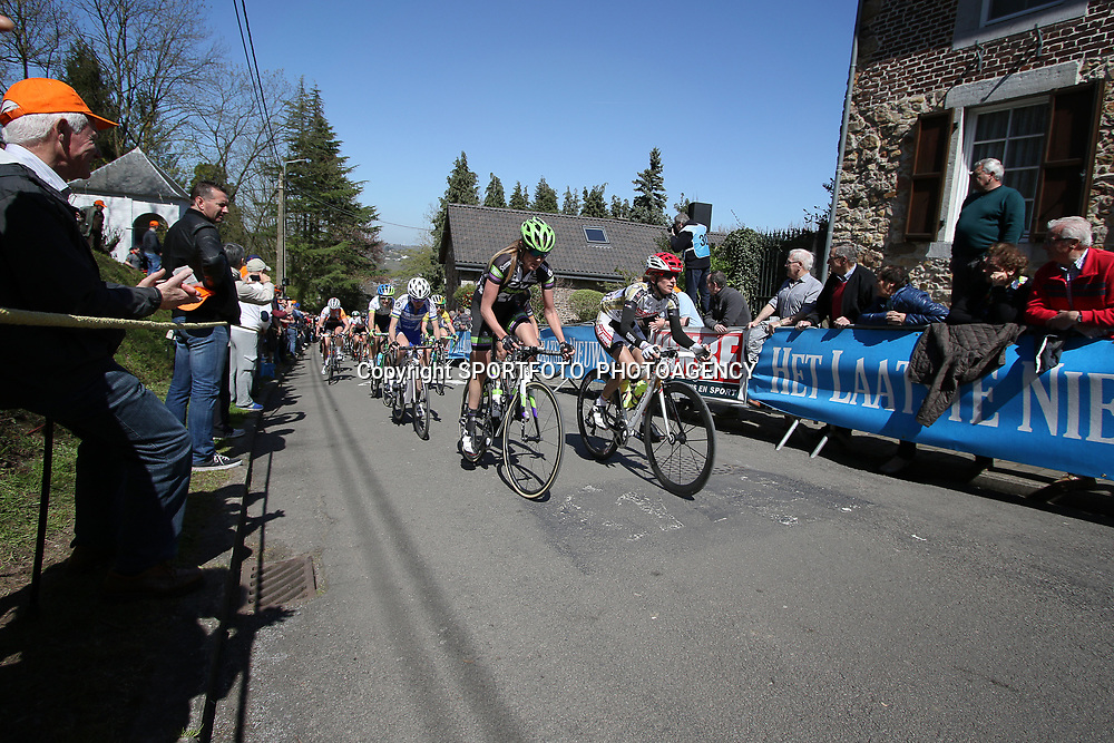 20-04-2016: Wielrennen: Waalse Pijl vrouwen: Huy    <br />HUY (BEL) cycling    <br />The Fleche Wallomne is the last springrace in the Womens Worldtour.  Peloton on the first climb Mur de Huy. Carlee Taylor