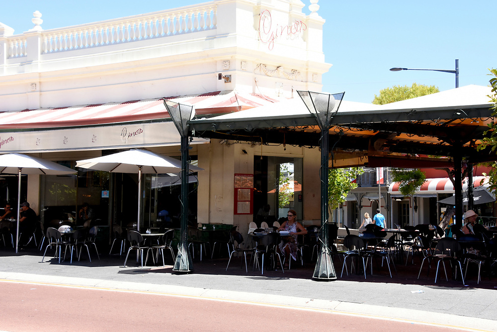 Cappuccino Strip and main strip of Freemantle Town Center