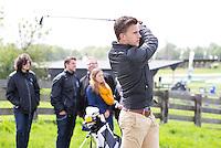 AMSTELVEEN - GOLF - Joël Veltman (Ajax). Par 3 wedstrijd tussen vier voetballers en vier hockeyers, tijdens de Amsterdam Golf Show op de golfbaan van Amsteldijk. De hockeyers zijn Valentin Verga, Billy Bakker, Mirco Pruijser , Robert Tiggesen  voetballers John Bosman, Barry van Galen, Mickey Van der Hart (Ajax) en Joël Veltman (Ajax). FOTO KOEN SUYK