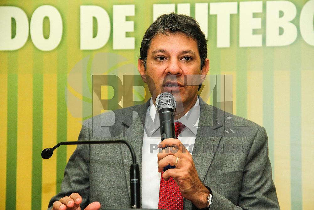 SAO PAULO, SP, 18 JANEIRO 2013 -COMISSAO DA COPA DO MUNDO DE FUTEBOL 2014 - O prefeito de Sao Paulo Fernando Haddad se reune na manha desta sexta-desta terça-feria(18), com a  a vice-prefeita, Nádia Campeão, para reunião inaugural do recém-criado Comitê Integrado de Gestão Governamental Especial para a Copa do Mundo de Futebol de 2014 - SPCopa, que fará a articulação das 14 Secretarias envolvidas diretamente com a realização do Mundial. O encontro acontece na Prefeitura de Sao Paulo na regiao central. (FOTO: AMAURI NEHN / BRAZIL PHOTO PRESS).