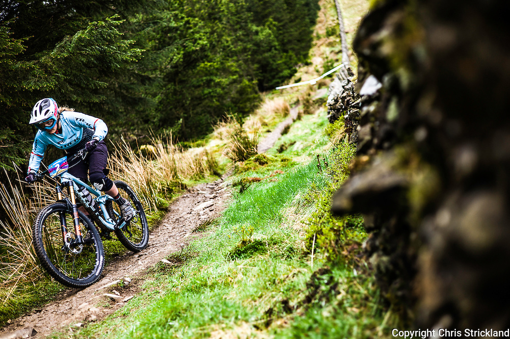 Glentress, Peebles, Tweed Valley, Scotland, UK. 21st May 2016. Scottish rider Katy Winton competes in the Shimano International Enduro during Tweedlove Bike Festival in the Scottish Borders.