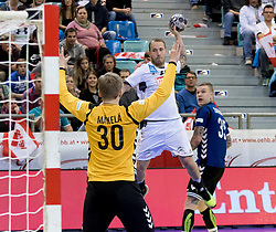 02.11.2016, Arena Nova, Wiener Neustadt, AUT, EHF, Handball EM Qualifikation, Österreich vs Finnland, Gruppe 3, im Bild Robert Weber (AUT)// during the EHF Handball European Championship 2018, Group 3, Qualifier Match between Austria and Finland at the Arena Nova, Wiener Neustadt, Austria on 2016/11/02. EXPA Pictures © 2016, PhotoCredit: EXPA/ Sebastian Pucher