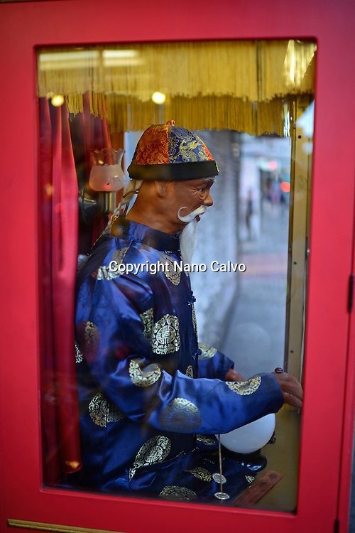 Confucius street machine in Chinatown, San Francisco
