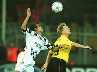 Fotball: UEFA Champions league 2001/2002. v.l. ERIVAN , Jan Derek SØRENSEN / Sörensen Dortmund<br />         Champions League  Borussia Dortmund - Boavista Porto 2:1