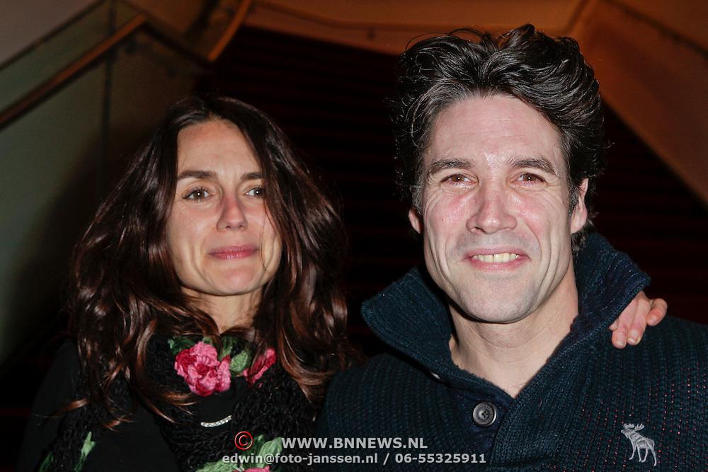 NLD/Amsterdam/20120110 - Amsterdamse premiere van Emmi@Leo, Daniel Boissevain en partner Vanessa Henneman