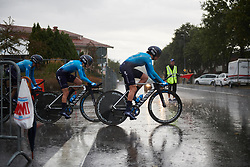 Movistar Women's Team in the pouring rain at Postnord Vårgårda West Sweden Team Time Trial 2018, a 42.5 km team time trial in Vårgårda, Sweden on August 11, 2018. Photo by Sean Robinson/velofocus.com