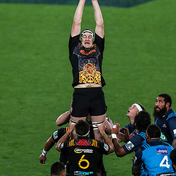 Brodie Retallick of the Chiefs misses a lineout during the Super Rugby Match between the Blues and the Chiefs at Eden Park in Auckland, New Zealand on Friday 26  May 2017. Photo: Simon Watts / www.lintottphoto.co.nz