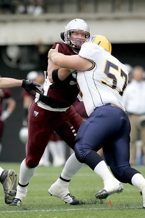 (20 October 2007 -- Ottawa) The University of Ottawa Gee Gees football team defeated the University of Windsor Lancers 43-2 to complete a perfect undefeated season. The player pictured is Sébastien Tétreault