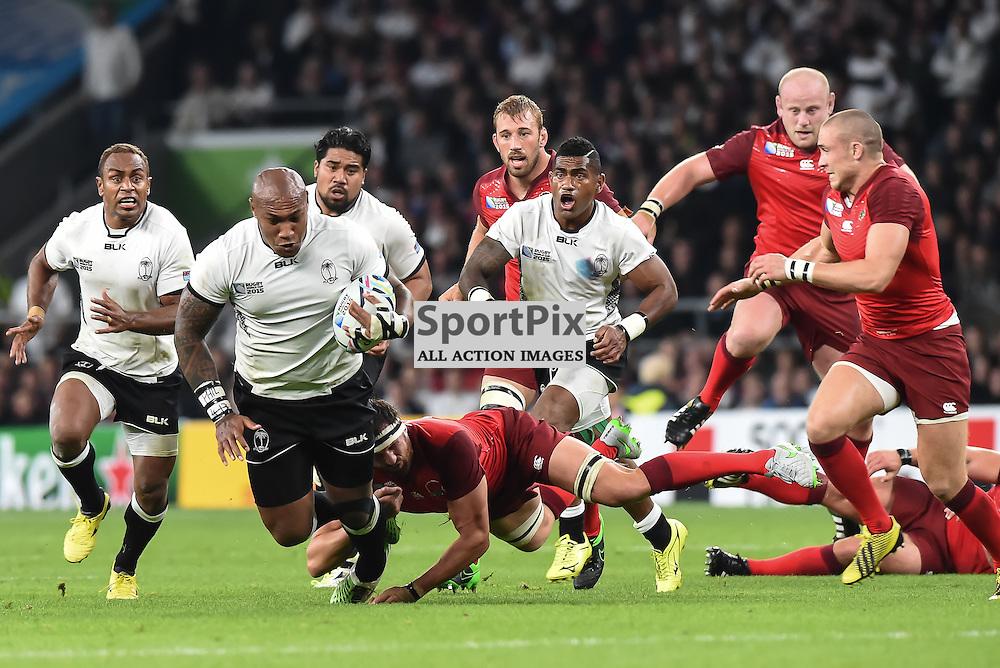 Nemani Nadolo is tackled by Chris Robshaw (c) Simon Kimber | SportPix.org.uk