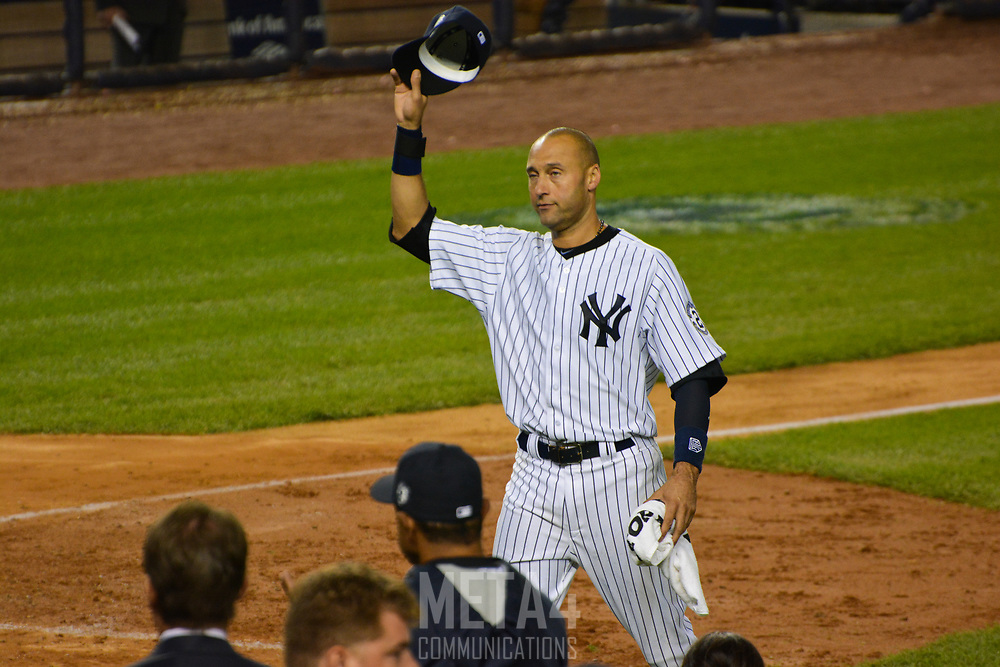 Derek Jeter offers an emotional tribute to the fans afer his final game at Yankee Stadium.