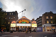 Een bioscoop in de Londense wijk Islington draait oude films.<br /> <br /> A cinema in London district Islington is playing old movies.