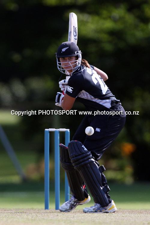 Suzie Bates batting, New Zealand White Ferns v Australia, Rosebowl cricket series, One day international, Queens Park, Invercargill. 6 March 2010. Photo: William Booth/PHOTOSPORT